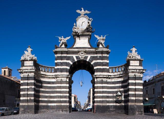 Siziline Porta Garibaldi Catania.jpg