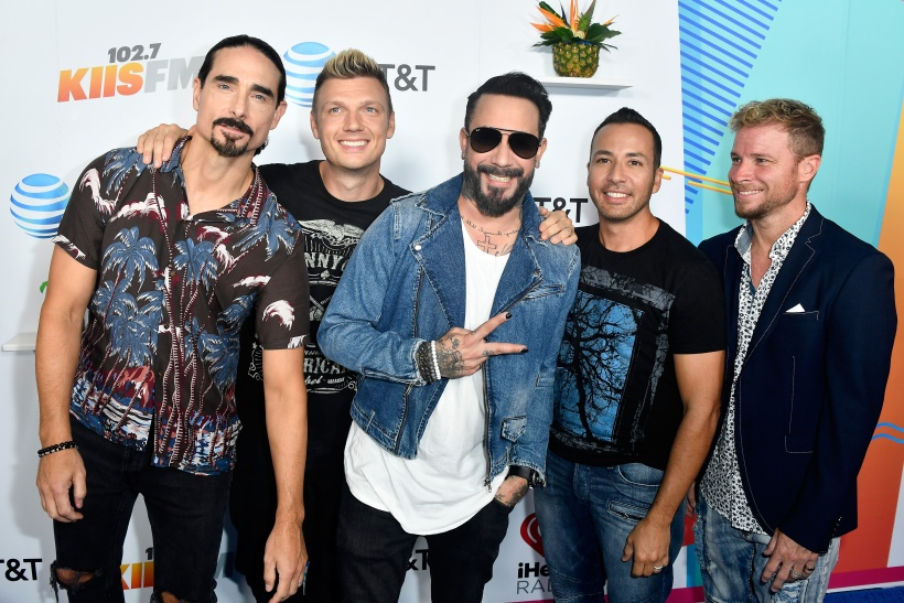 backstreet-boys-smiling-red-carpet